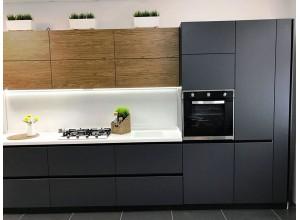 БРИТТ - кухня без ручек до потолка