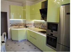 ЭННИ - кухня с полками в потолок (размер 3,3×2,6 метра)