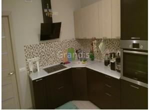 ОСКАР - кухня с подсветкой под шкафами (размер 2,2×2,7 метра)