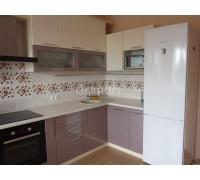 НОА - кухня со светлым фартуком (размер 2,2×1,4 метра)