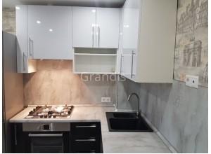 ВИТАЛИЯ - кухня со стеновой панелью (размер 3,1×1,7 метра)