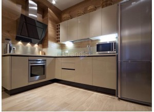 АФИНА - кухня с глянцевыми фасадами (размер 2,2×2,4 метра)