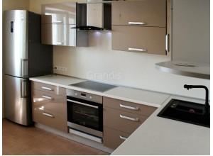 ТРЕД - кухня с полками в потолок (размер 3,3×1,8 метра)