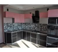 МОДЕНА - кухня со стеклянными шкафами (размер 1,9×2 метра)