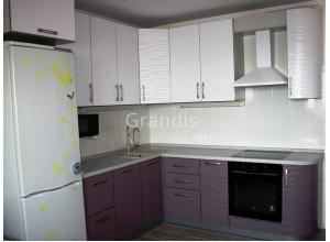 НОРА - кухня с глянцевыми фасадами (размер 1,8×2,7 метра)