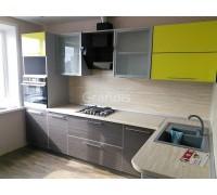 ФРЭНСИС - кухня с полками в потолок (размер 3,2×1,9 метра)