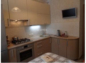 АНДРЕА - кухня с горизонтальными шкафами (размер 3,1×2,5 метра)