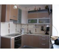 ДАНИЭЛЛА - кухня со светлыми фасадами (размер 2,7×2,2 метра)