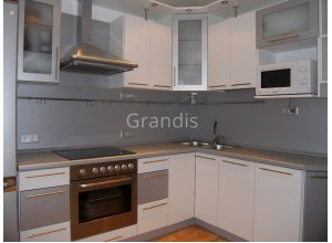 АДЕЛИНА - кухня с нишей под микроволновку (размер 2,3×1,7 метра)