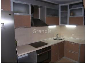 АНТОНИЯ - кухня с эмалевым покрытием (размер 2,1×1,9 метра)