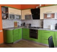 ЭЛИЗАБЕТТА - кухня с двумя пеналами под технику (размер 1,7×2,1 метра)