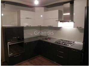 ДОРОТЕЯ - кухня для маленьких помещений (размер 2,3×2,7 метра)