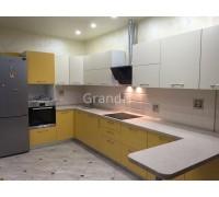 ИЗОЛЬДА - кухня с желтыми и белыми фасадами (размер 3,4×1,6 метра)