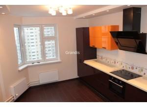 Bellotto - кухня со светлым фартуком на площадь 9,3 кв. м.