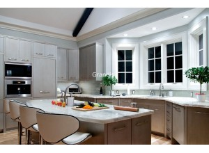 Bertinelli - кухня с витринами на площадь 9,9 кв. м.
