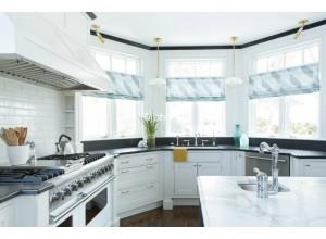Boselli - кухня с телевизором на площадь 12,1 кв. м.