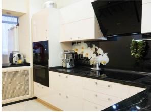 ЮЛИЯ - кухня с трапециевидной мойкой, размер 8,8кв метра